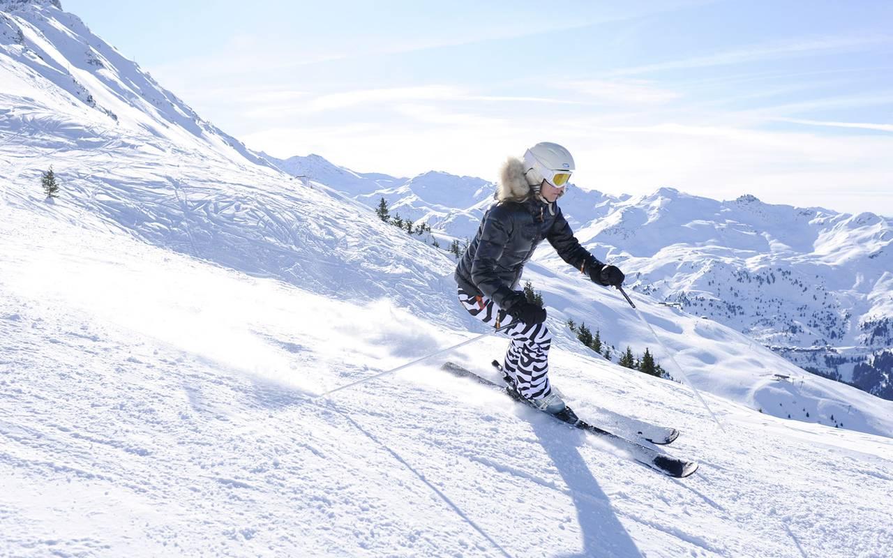 Skiing downhill, Hôtel Méribel, La Chaudanne.